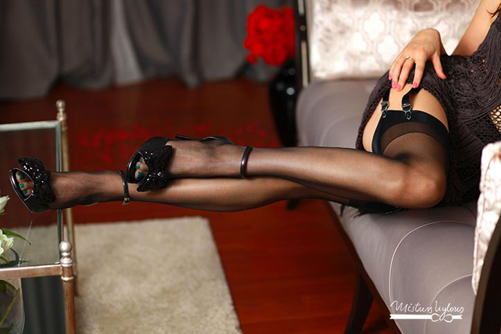 legs in nylons