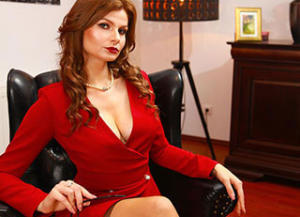 mistressnylons-interview-dominatrix-1