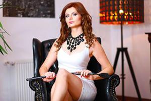 mistressnylons-interview-dominatrix-4
