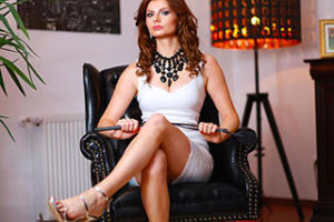 mistressnylons-interview-dominatrix-5