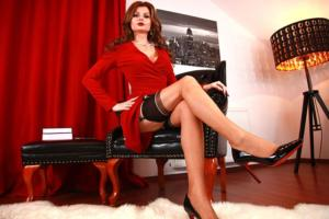mistressnylons-leather-chair-black-louboutin